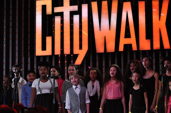 THE KIDS PERFORM AT CITY WALK!